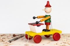 Pinochio s xylofonem