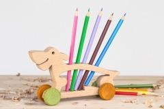 Stojánky na tužky s pastelkami Pes + Dárek
