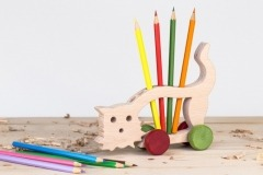 Stojánek na tužky kočka