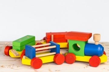Velký dřevěný vlak