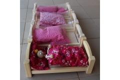 Dřevěná postýlka pro panenku